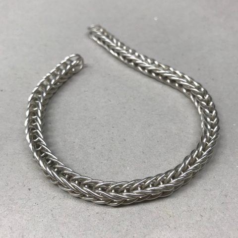 srebrna podłużna bransoletka