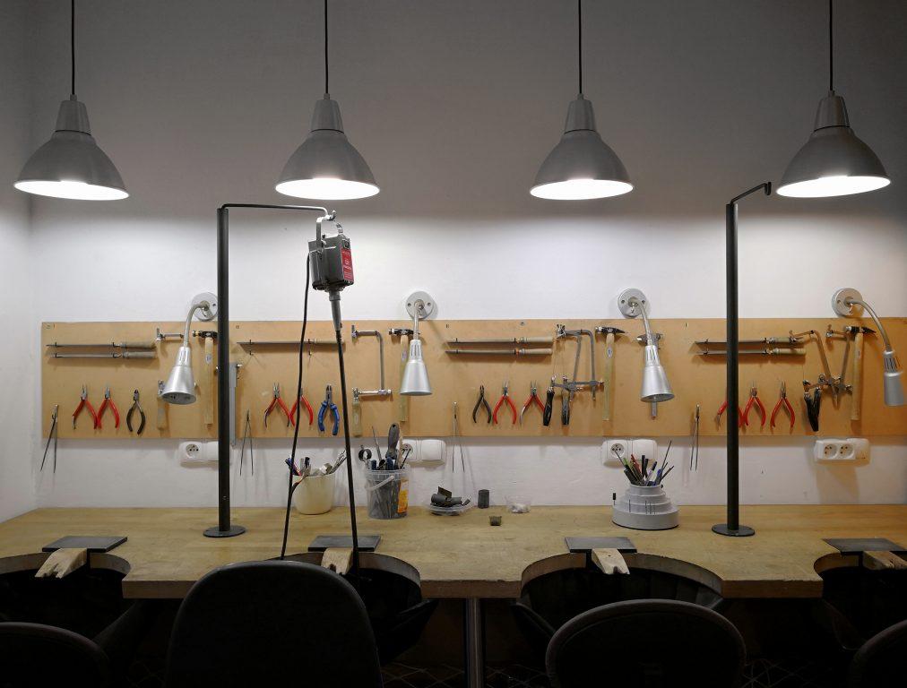 Szkoła projektowania i tworzenia biżuterii