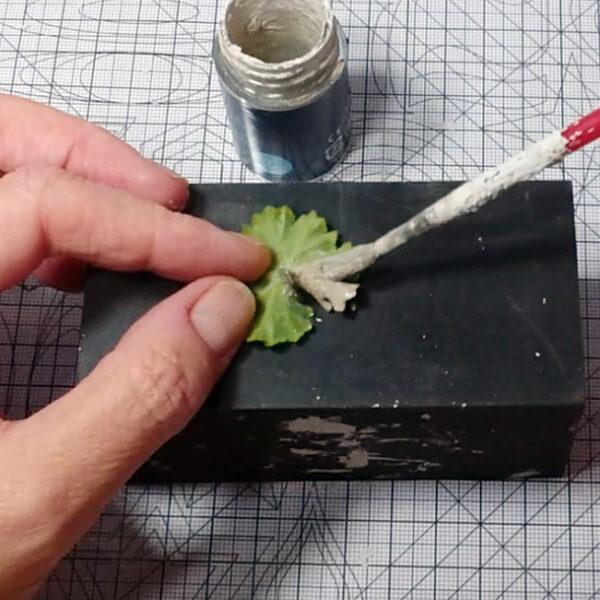 metal clay kurs online: etap pokrywania listka glinka metal clay