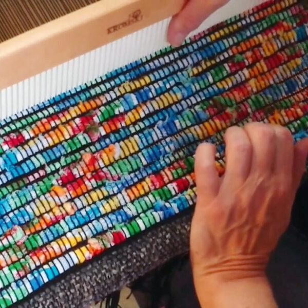 kurs tkania online - zobacz jak wykorzystać tkaniny z odzysku